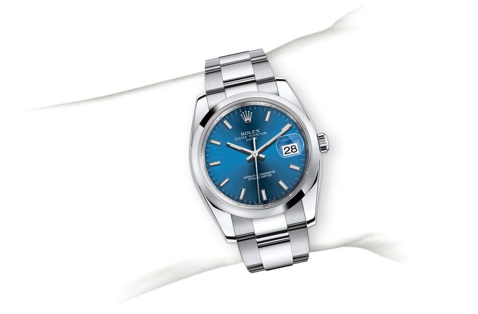 m115200 0007 modelpage on wrist landscape
