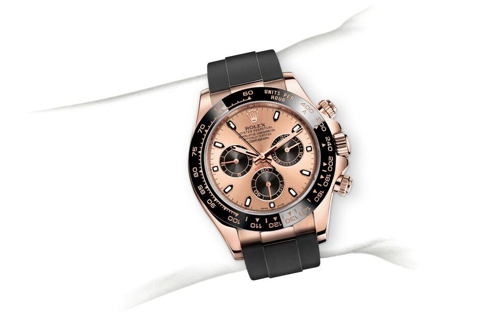 m116515ln 0018 modelpage on wrist landscape