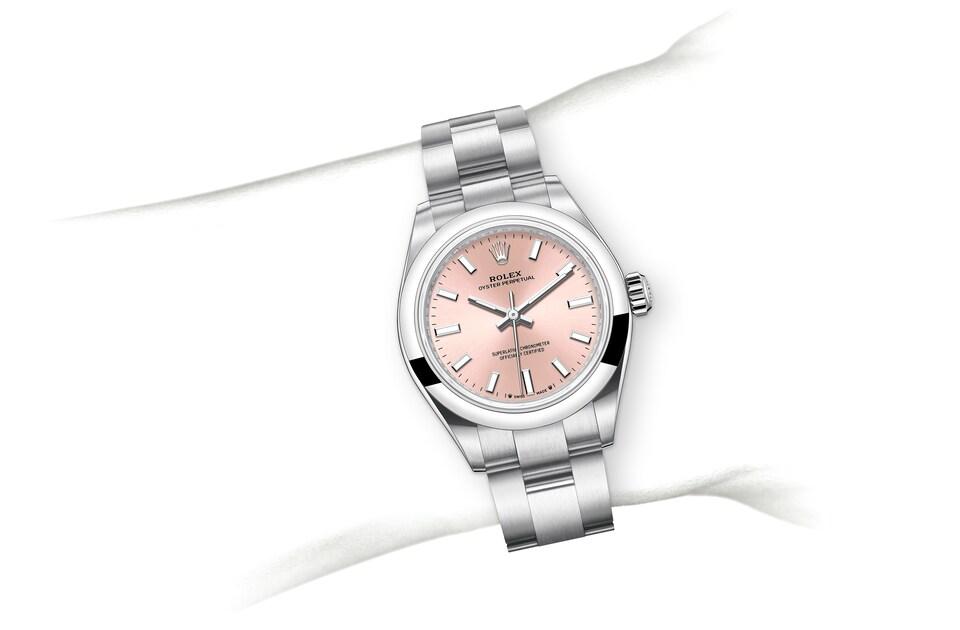 m276200 0004 modelpage on wrist landscape
