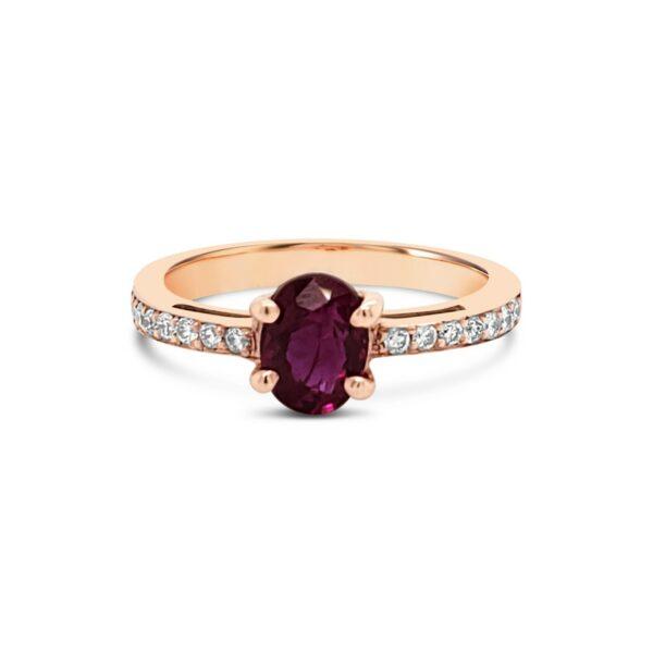 Anillo rubí ovalado y diamantes - oro rosa
