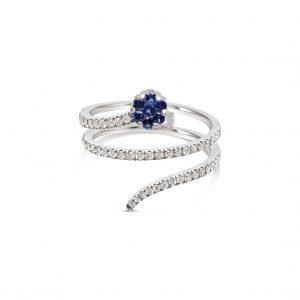 Anillo espiral con diamantes y flor de zafiros - oro blanco