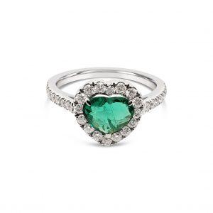 Anillo corazon de esmeralda con diamantes - oro blanco