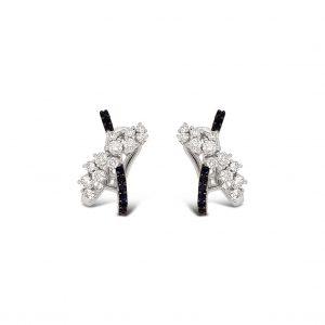 Aretes cruzados diamantes y zafiros en oro blanco - sistema de cierre omega