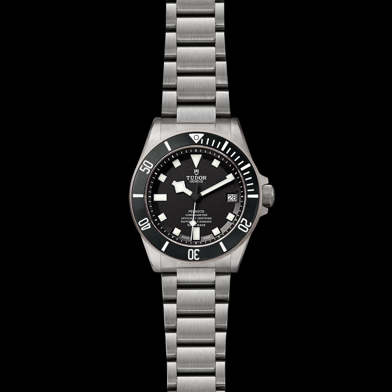 Reloj Tudor Pelagos Automático en titanio con esfera color negro. Bisel en cerámica, indicador de fecha y válvula de escape de helio.