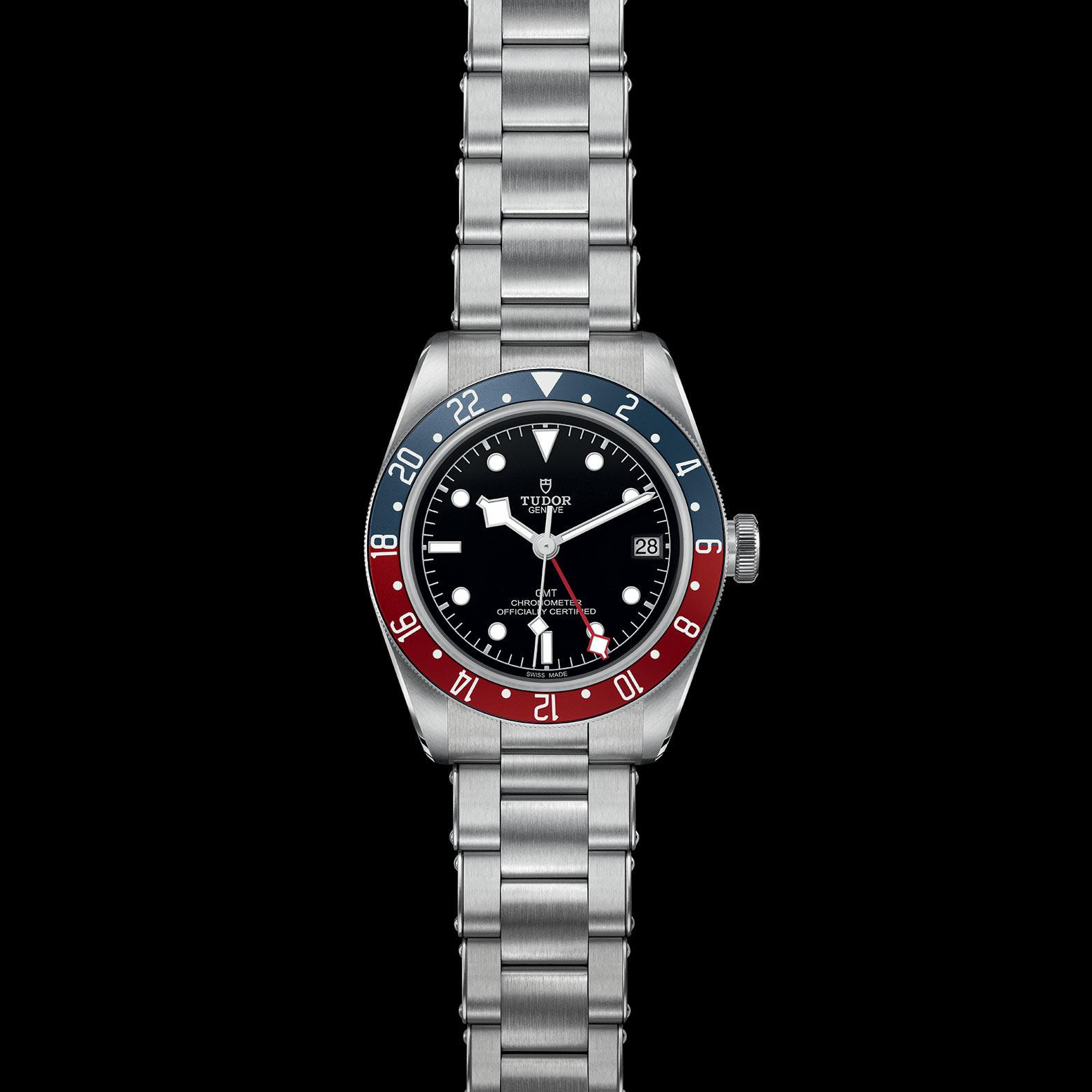 Reloj Tudor Black Bay GMT Automático en acero con indicador de fecha y bisel azul/rojo.