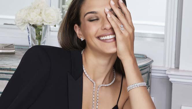 Anillo ASHOKA® oro blanco 18k y diamantes